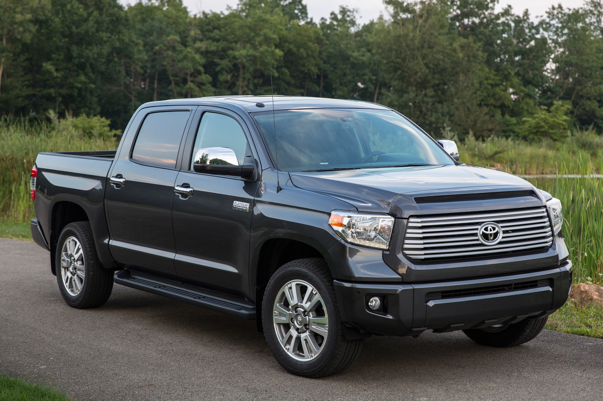 2014 toyota tundra first drive automobile magazine. Black Bedroom Furniture Sets. Home Design Ideas
