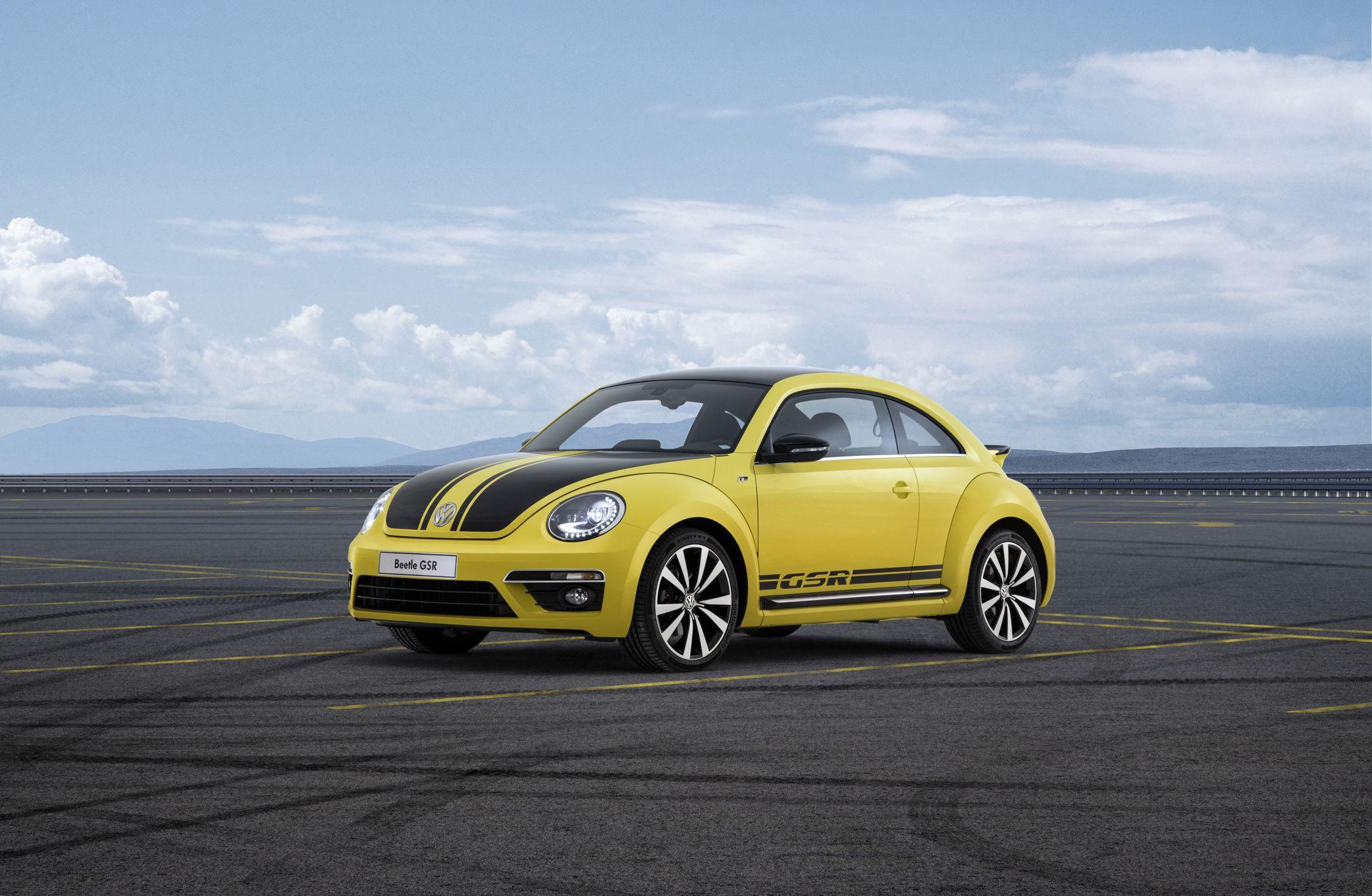 2014 Volkswagen Beetle GSR Front Three Quarter 31