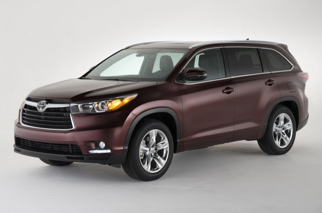2014 Toyota Highlander Front Three Quarters11 660x438
