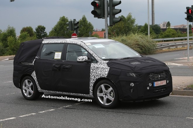 2015 Kia Sedona Front Three Quarter Spied 21 660x438