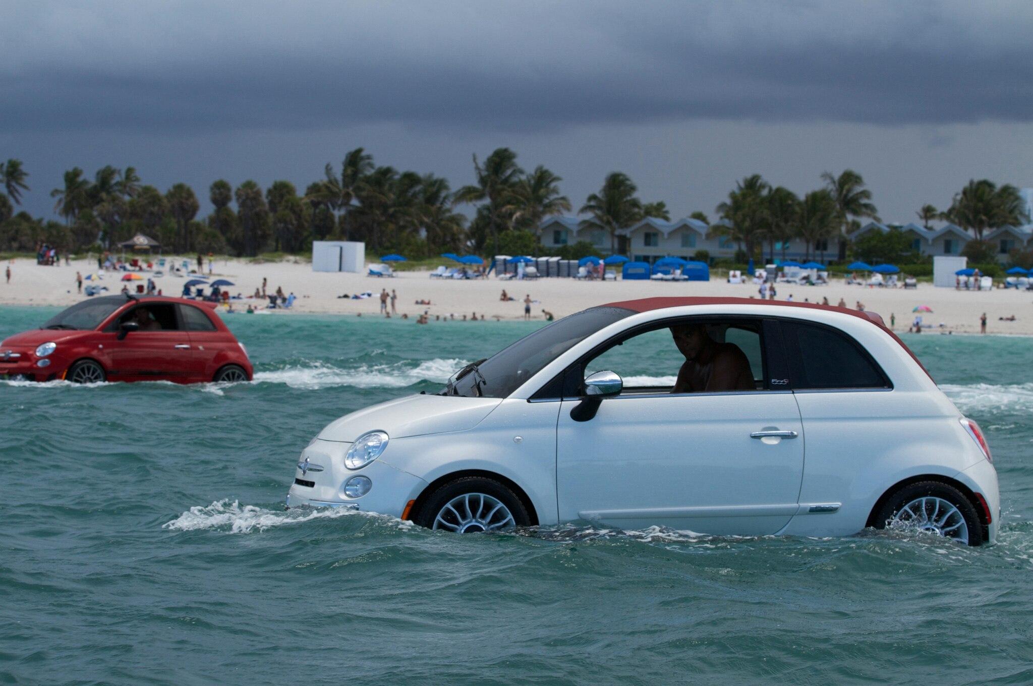 Fiat 500 Boats In Water 11