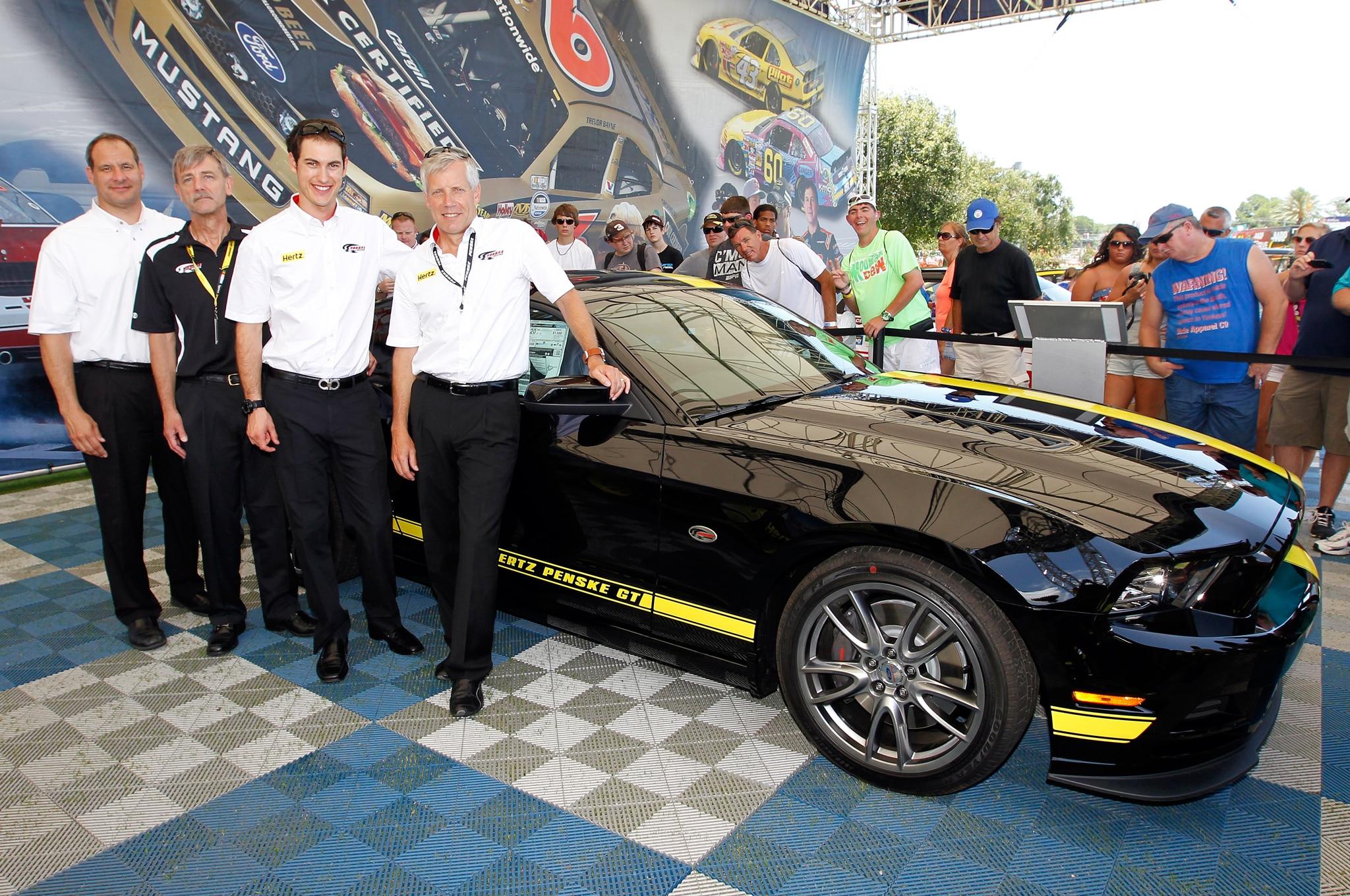 Hertz Penske GT Presentation1