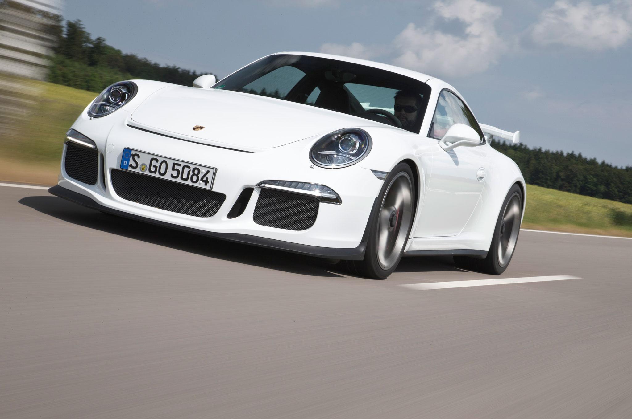 Porsche 911 GT3 Front Left View 7