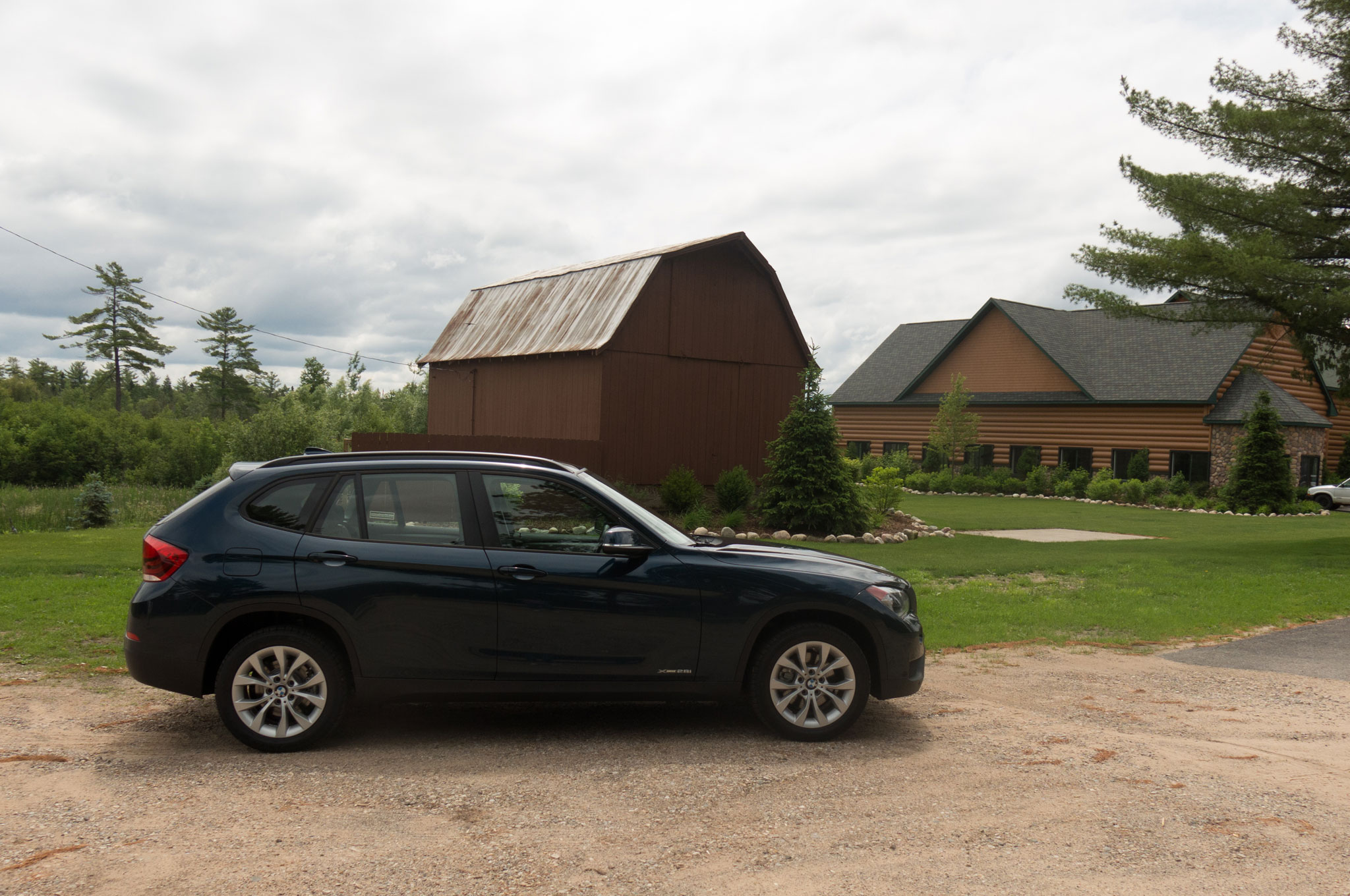2013 BMW X1 Right Side View1