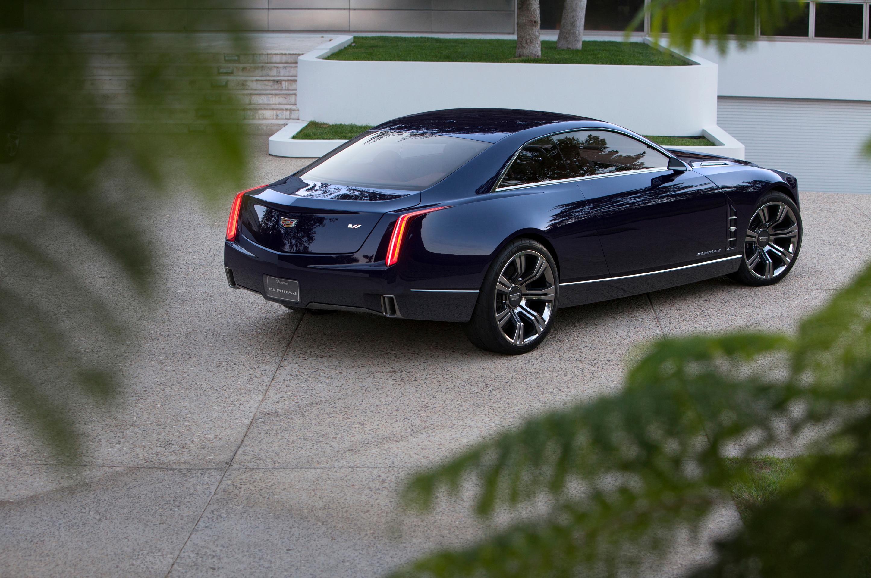 2013 Cadillac Elmiraj Rear Three Quarter1