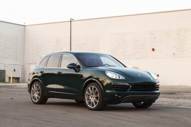2013 Porsche Cayenne Diesel Front Right View 11 660x440