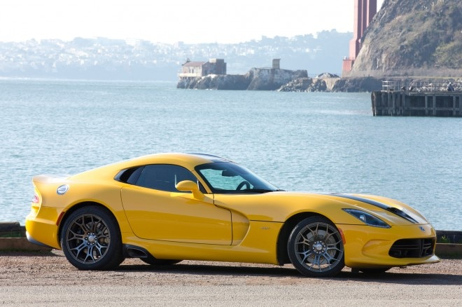 2013 SRT Viper Front Three Quarters1 660x438