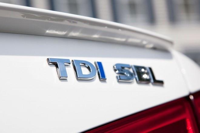 2013 Volkswagen Passat TDI Badge1 660x438