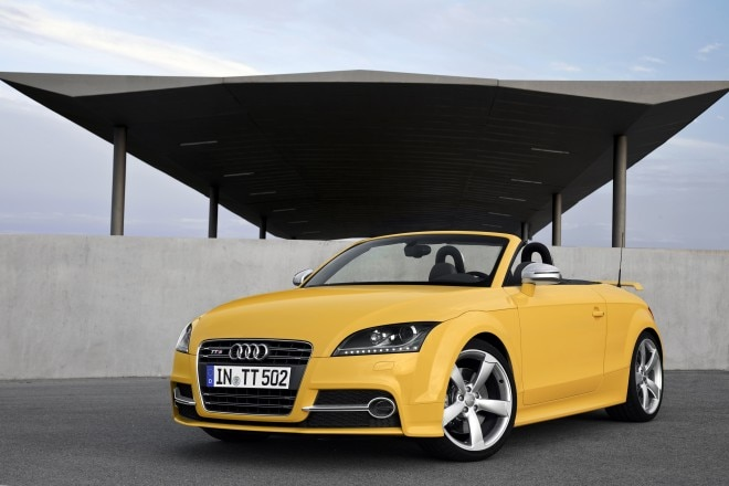 2014 Audi TTS Competition Roadster Front Three Quarter 11 660x440