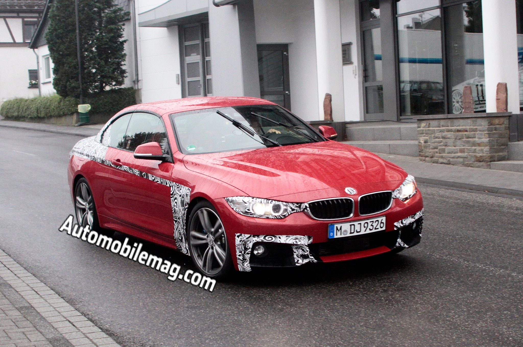 2014 bmw 4 series convertible caught under the sun. Black Bedroom Furniture Sets. Home Design Ideas