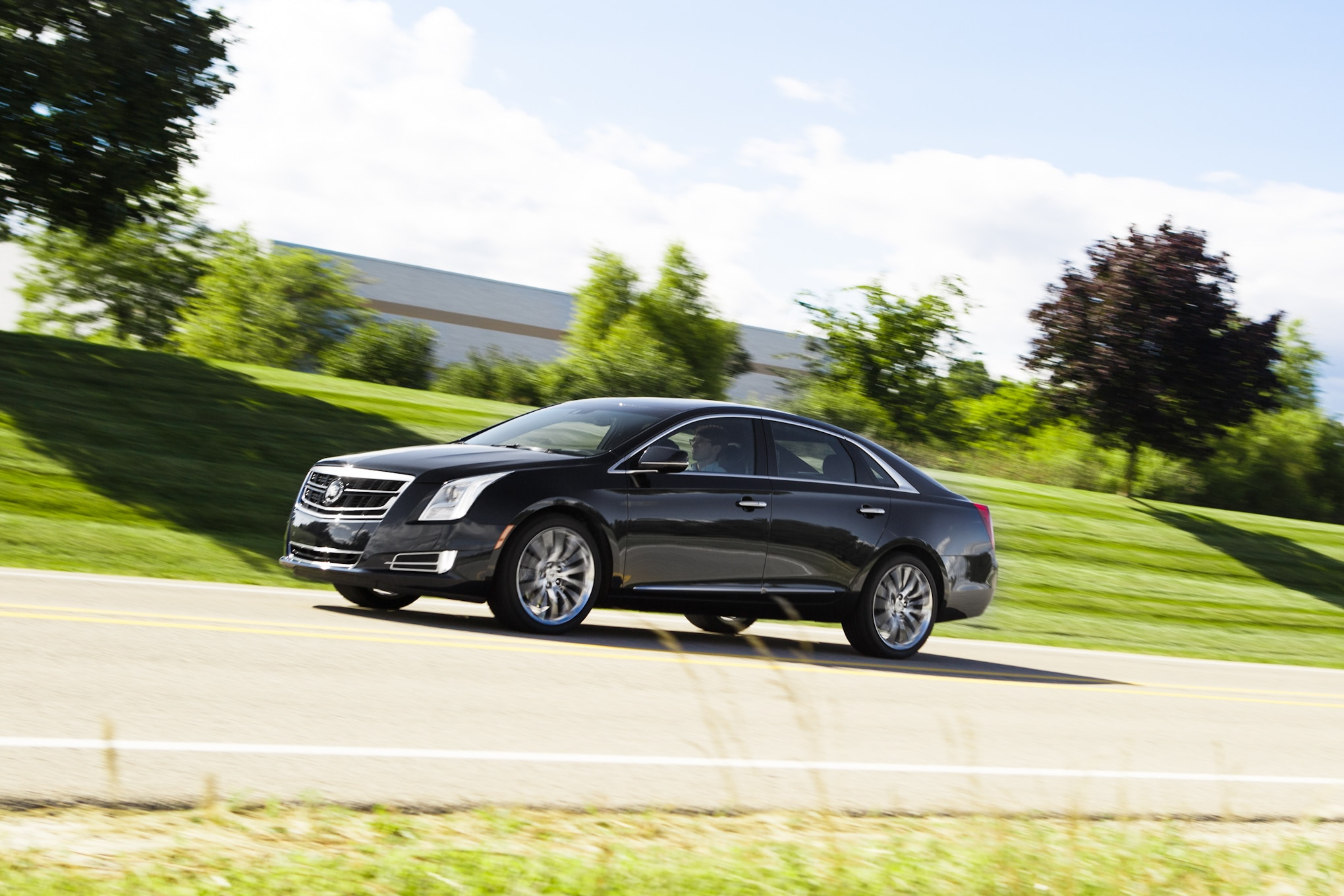 2014 Cadillac XTS V Sport Front Left Side View Lead1