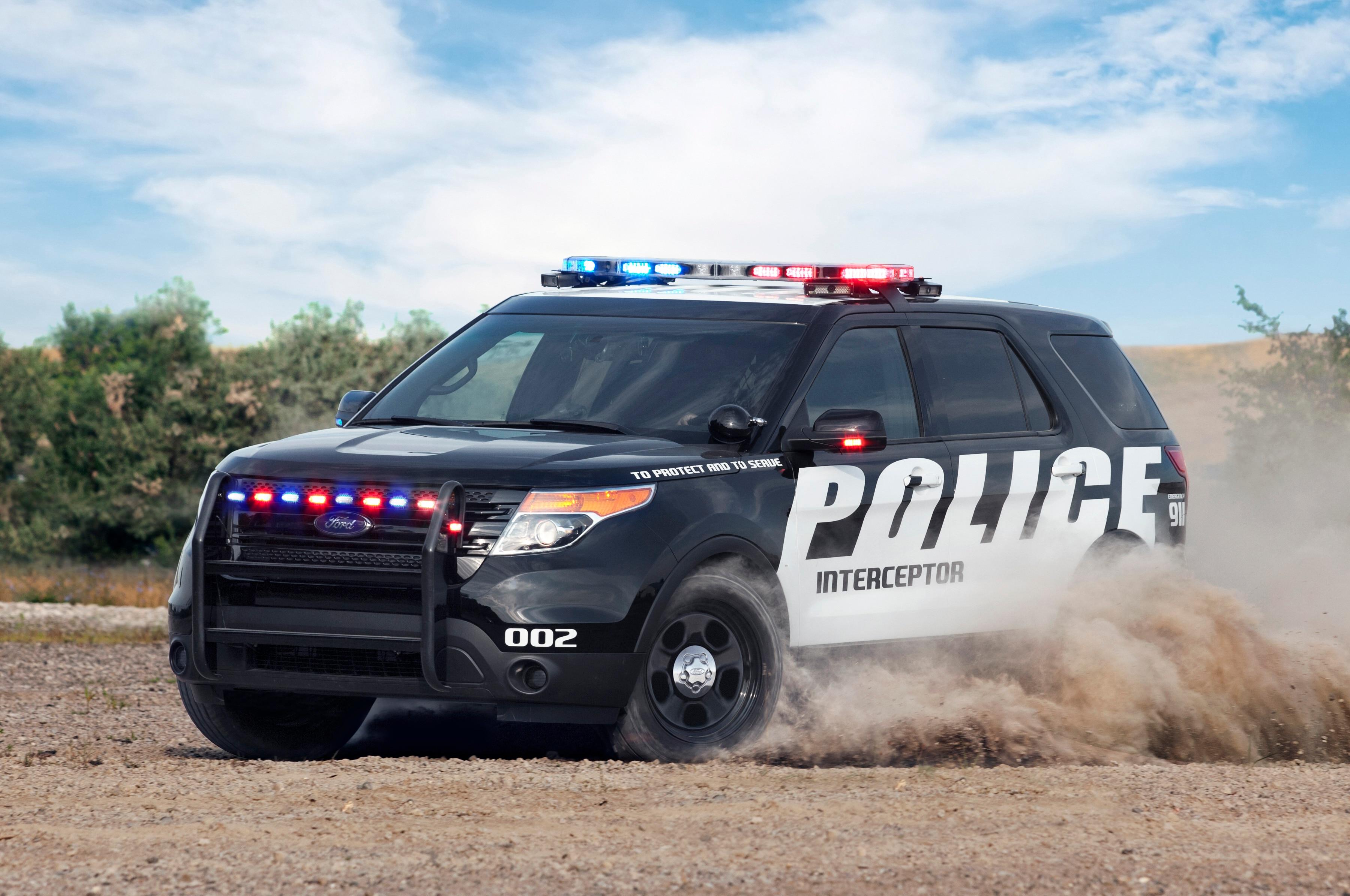 2014 Ford Police Interceptor Utilitiy EcoBoost Front Three Quarter1