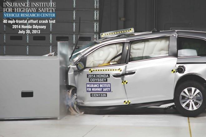 2014 Honda Odyssey Crash Test1 660x438