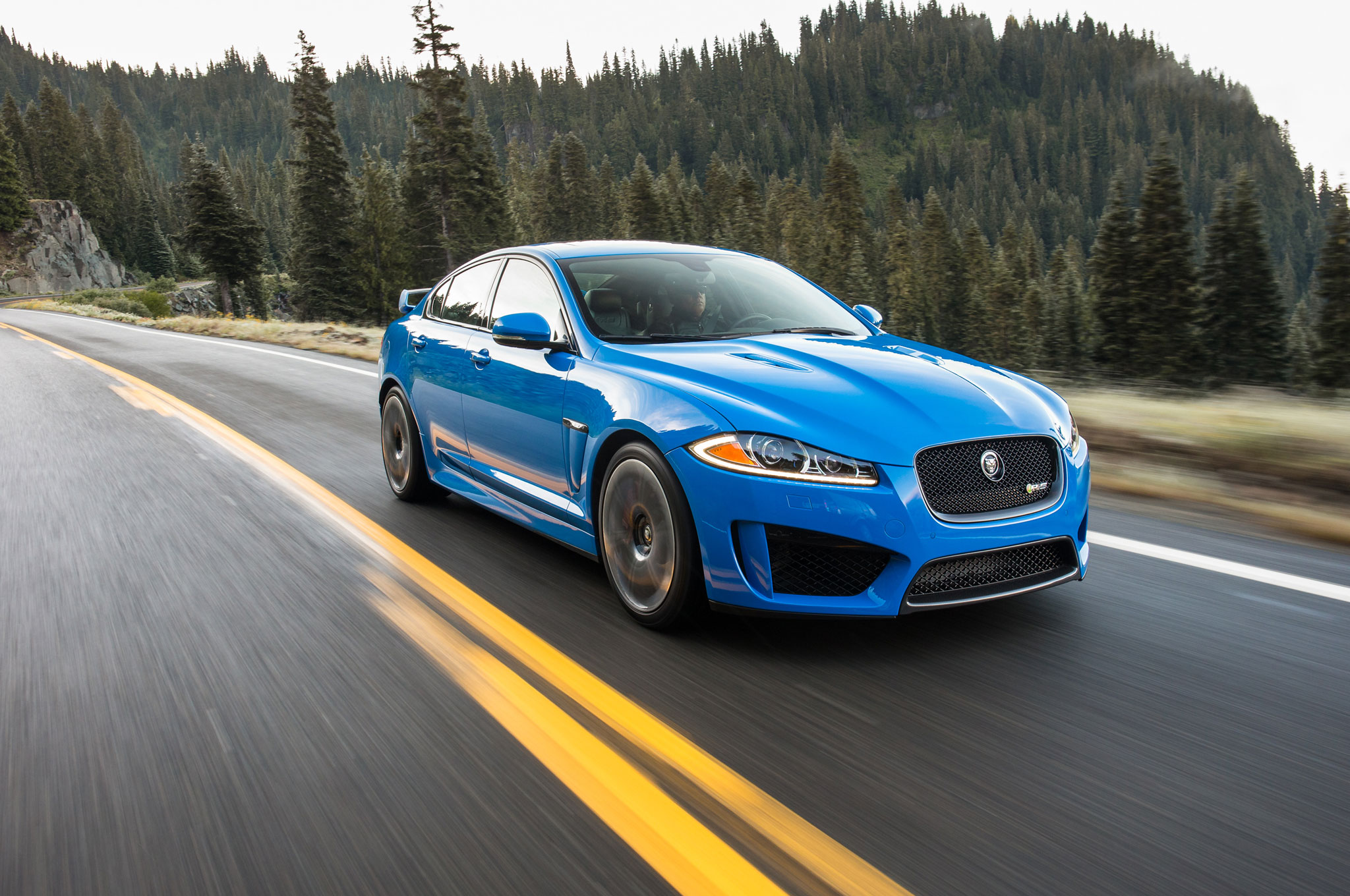 2014 Jaguar XFR S Front Right View 21