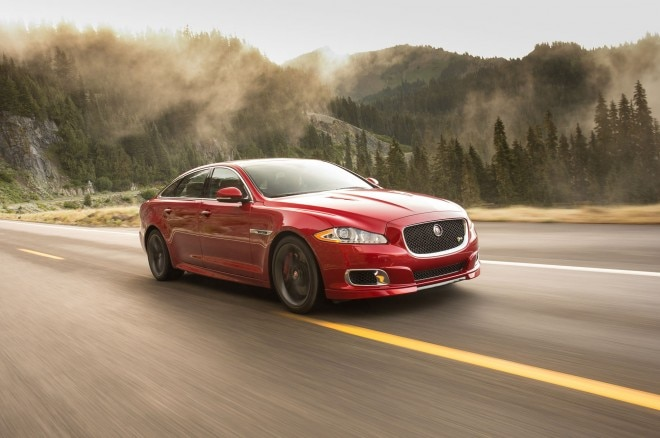 2014 Jaguar XJR Front Right Side View2 660x438