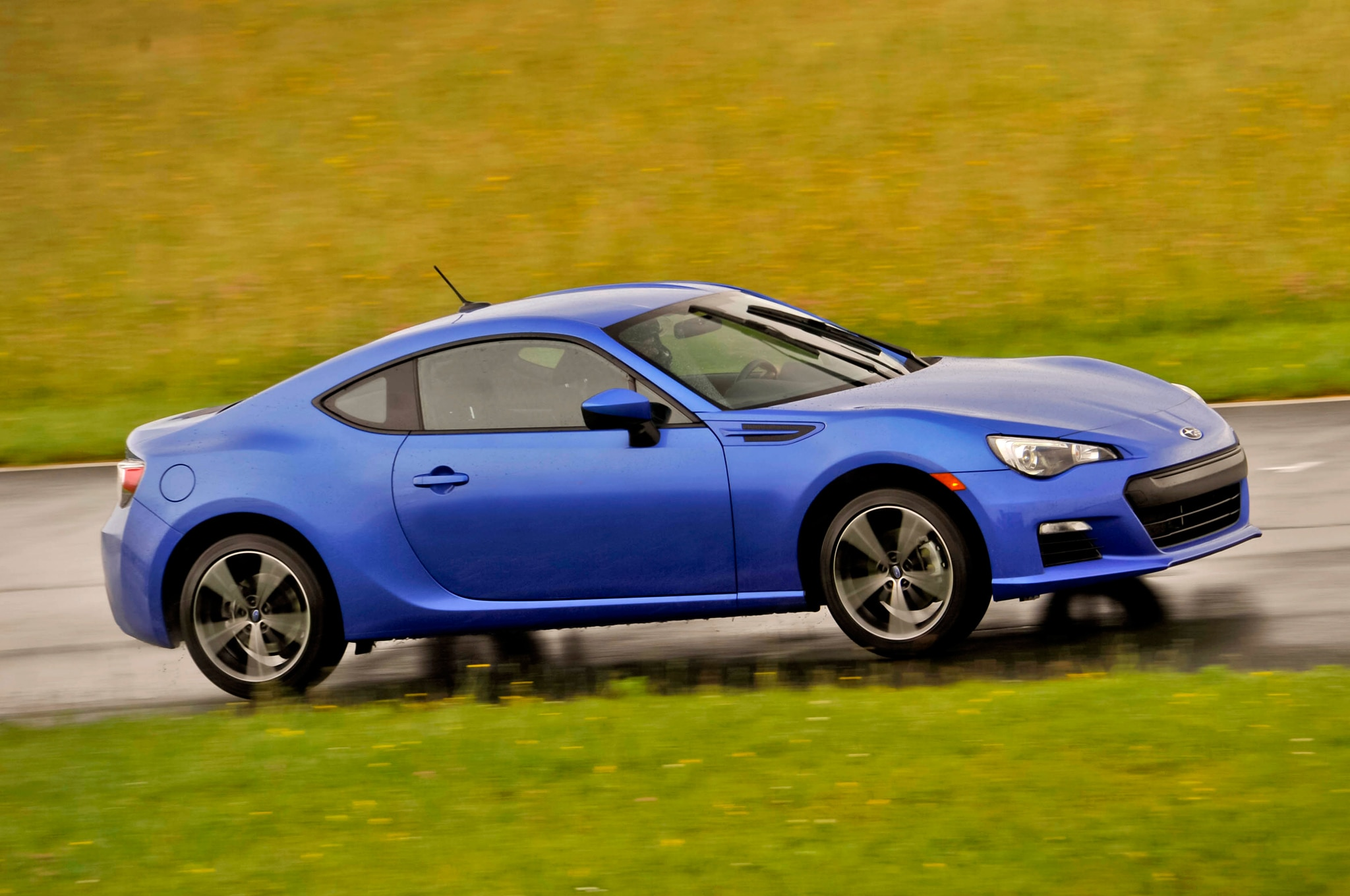 2014 Subaru BRZ Front Three Quarter1