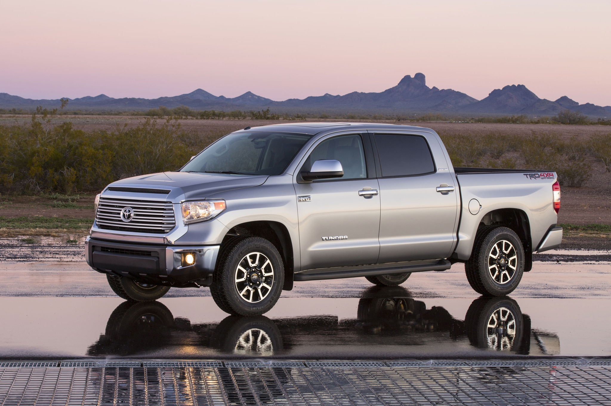 2014 Toyota Tundra Limited Left Front 11
