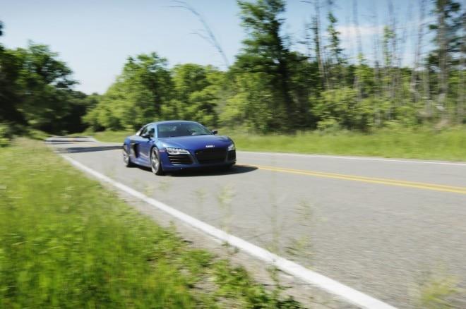2014 Audi R8 V10 Plus 660x438