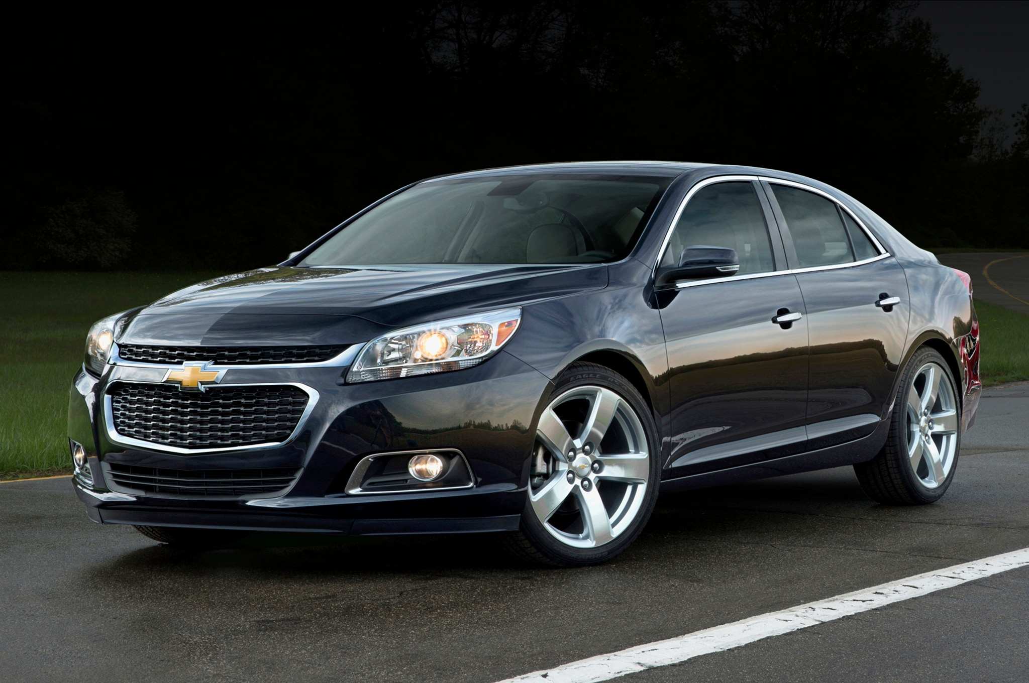 2014 Chevrolet Malibu Front Three Quarters1