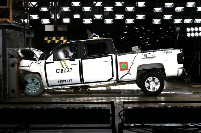 2014 Chevrolet Silverado Crash Test 21 660x438