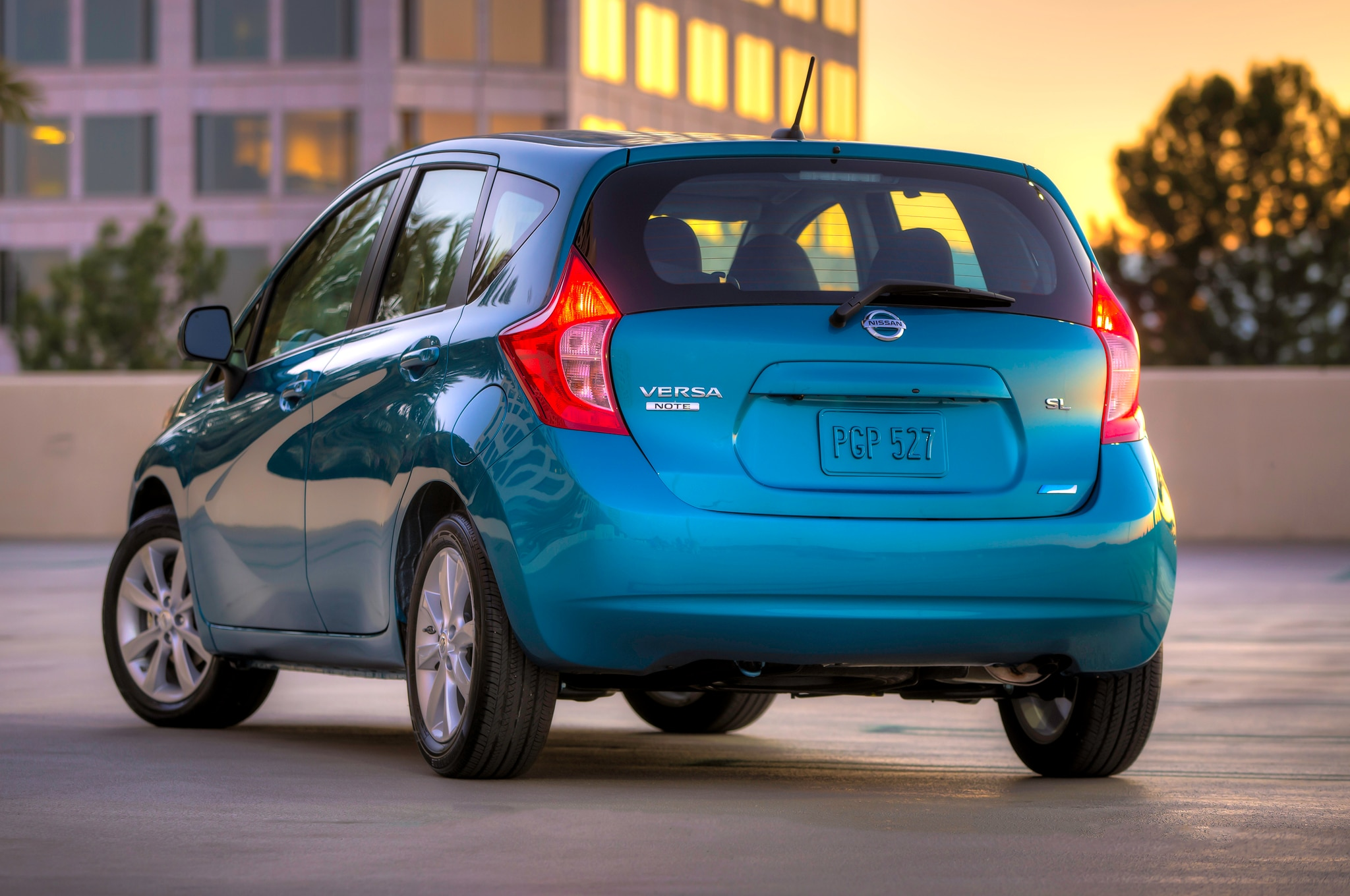 2014 Nissan Versa Note Rear Three Quarters1