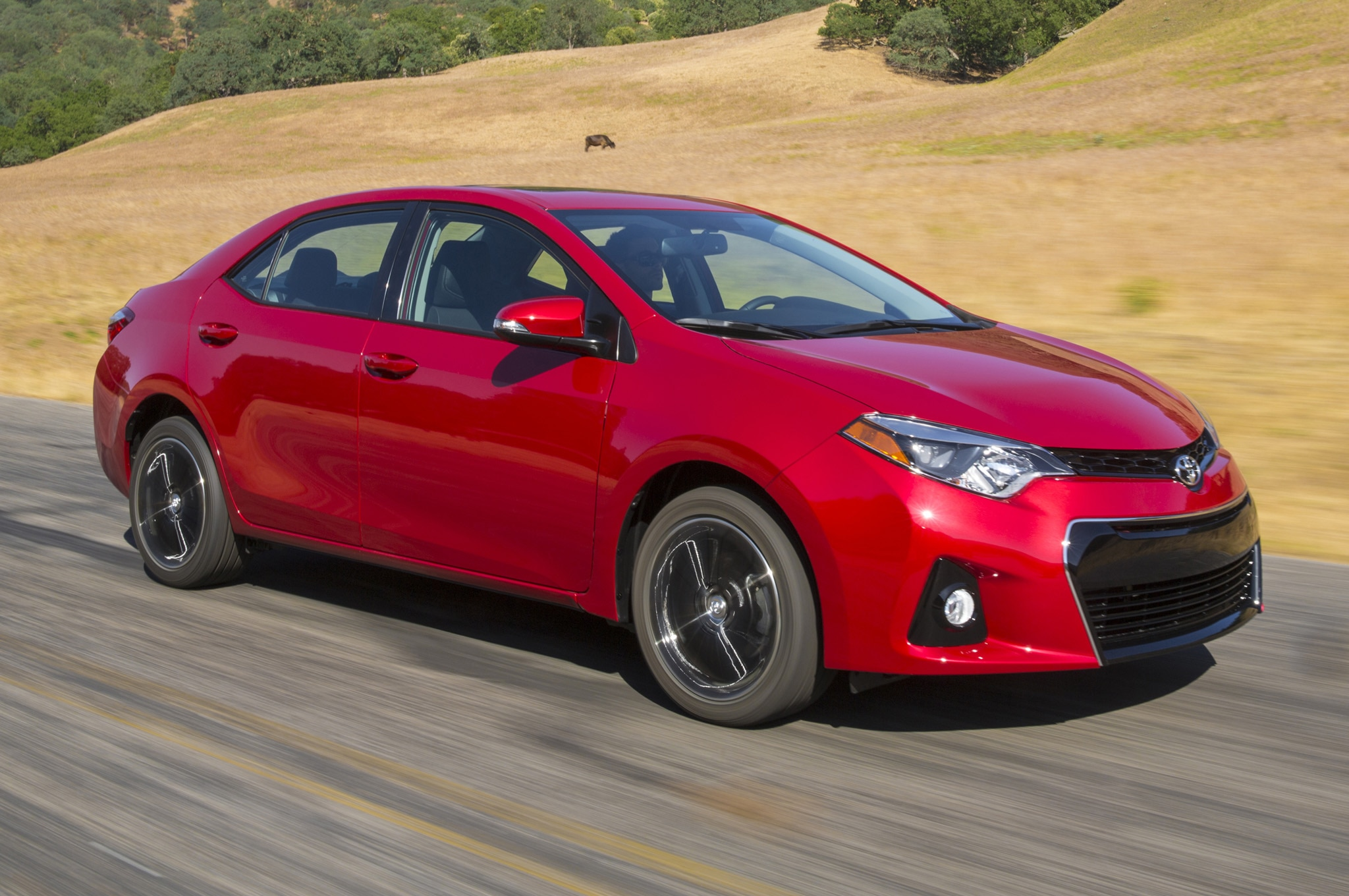 2014 Toyota Corolla Front Three Quarters 41