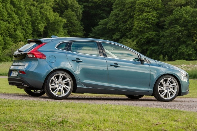2014 Volvo V40 Rear Three Quarters1 660x438