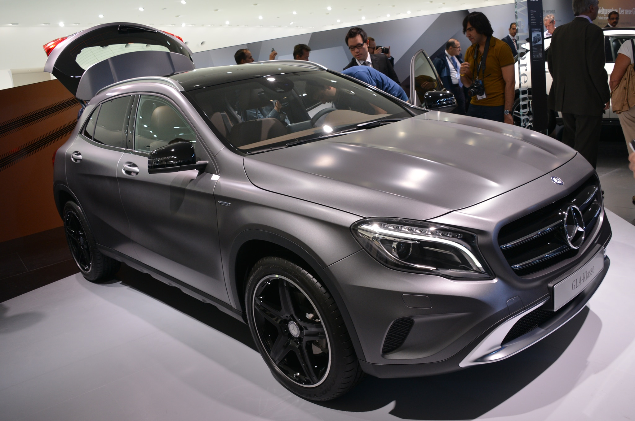 2015 Mercedes Benz GLA Class Front View2