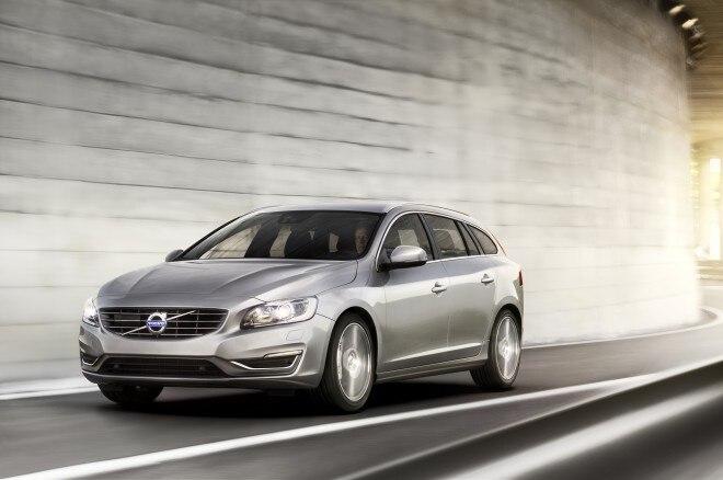 2015 Volvo V60 Front Three Quarter1 660x438