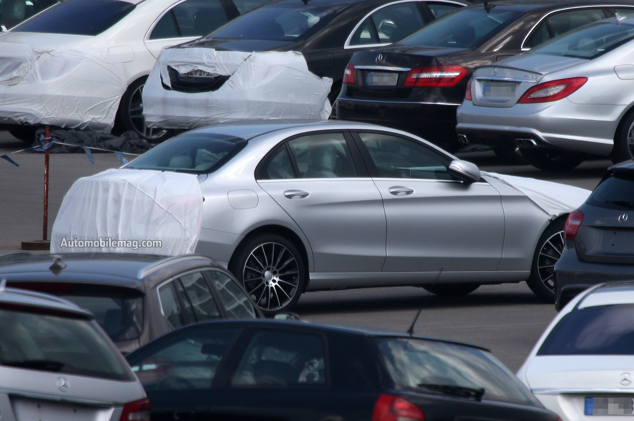 2015 Mercedes C Class Rear Three Quarters 41