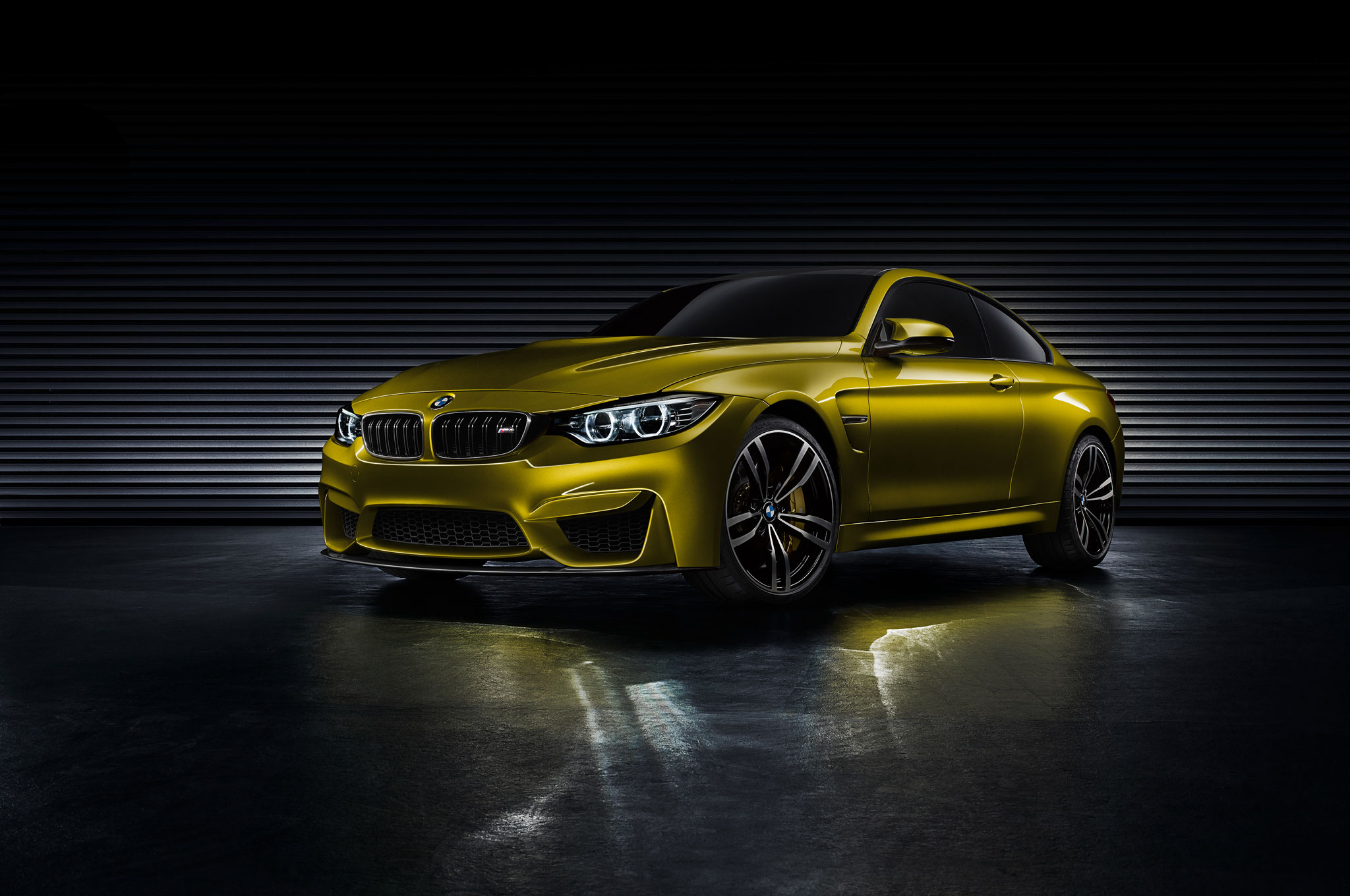 BMW M4 Concept Front Left View1