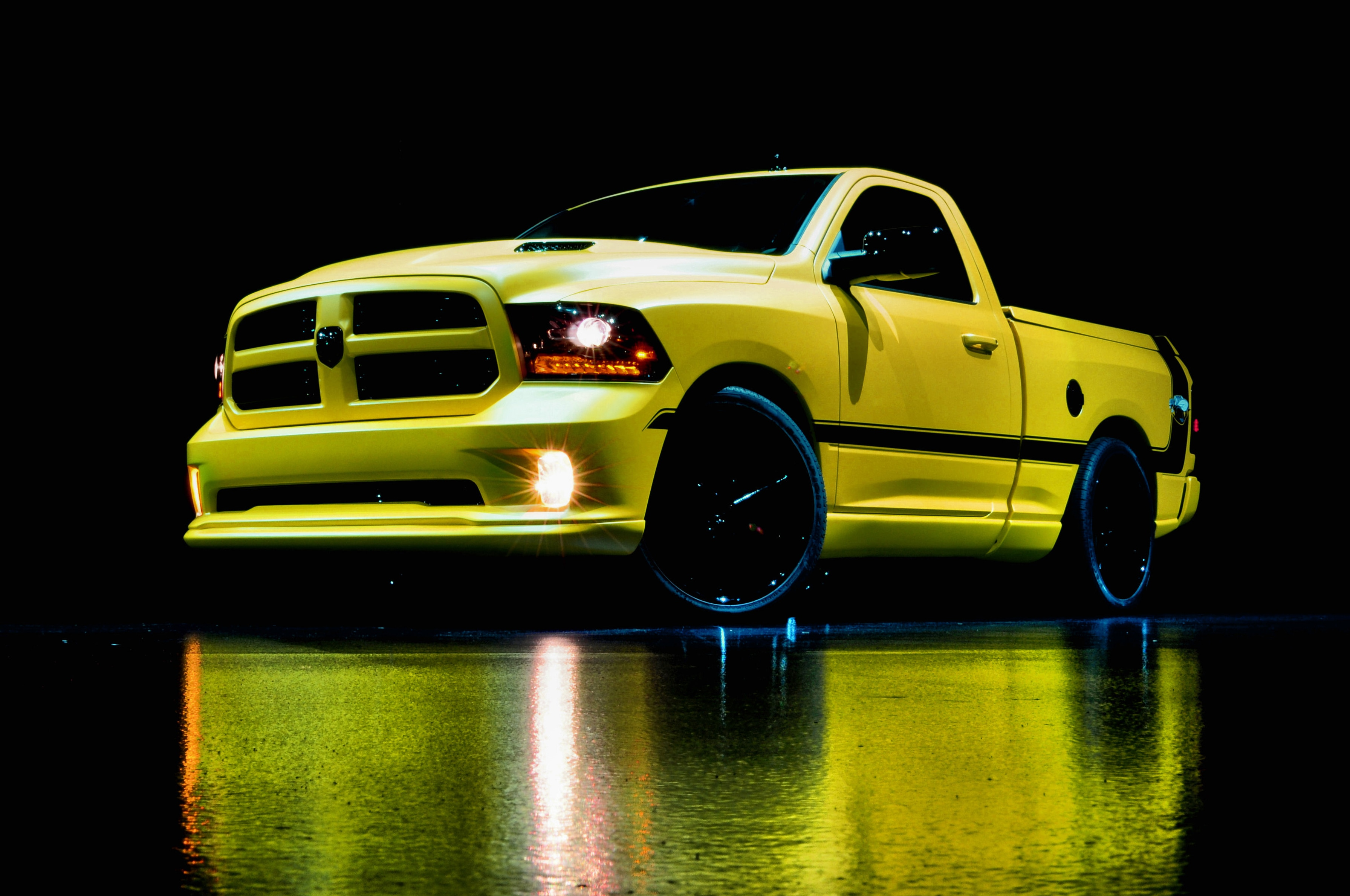 Ram 1500 Rumble Bee Concept Front Three Quarter 2
