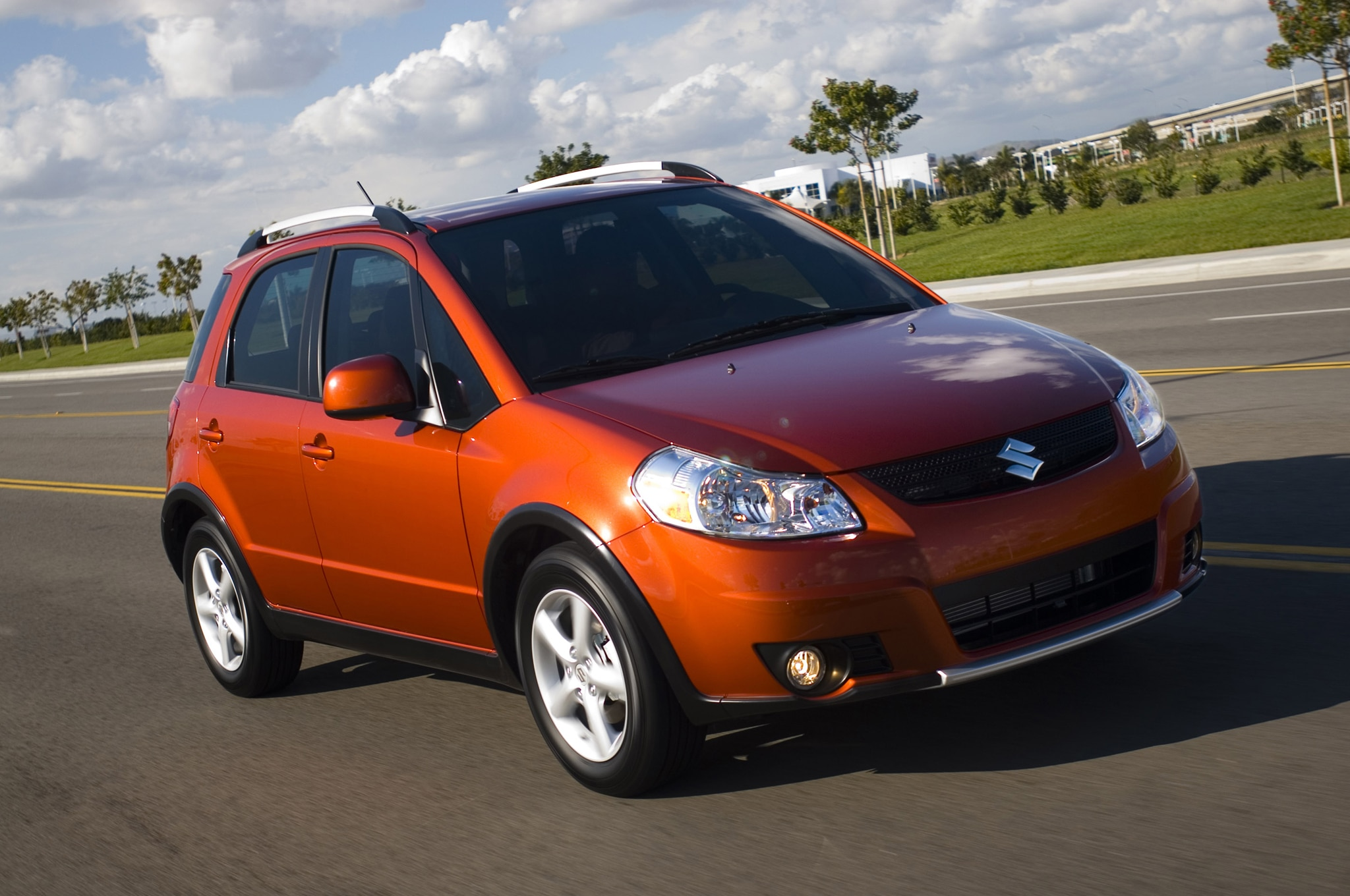 suzuki recalls 193 936 grand vitara sx4 models for airbag. Black Bedroom Furniture Sets. Home Design Ideas