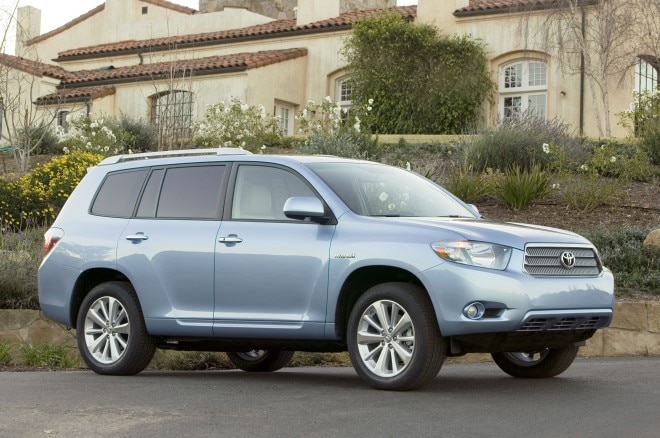 2010 Toyota Highlander Hybrid Front Three Quarter1 660x438