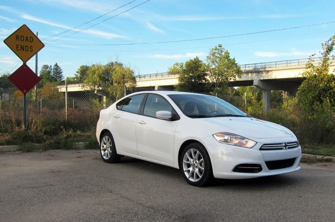 2013 Dodge Dart SXT Front Right View1 660x438