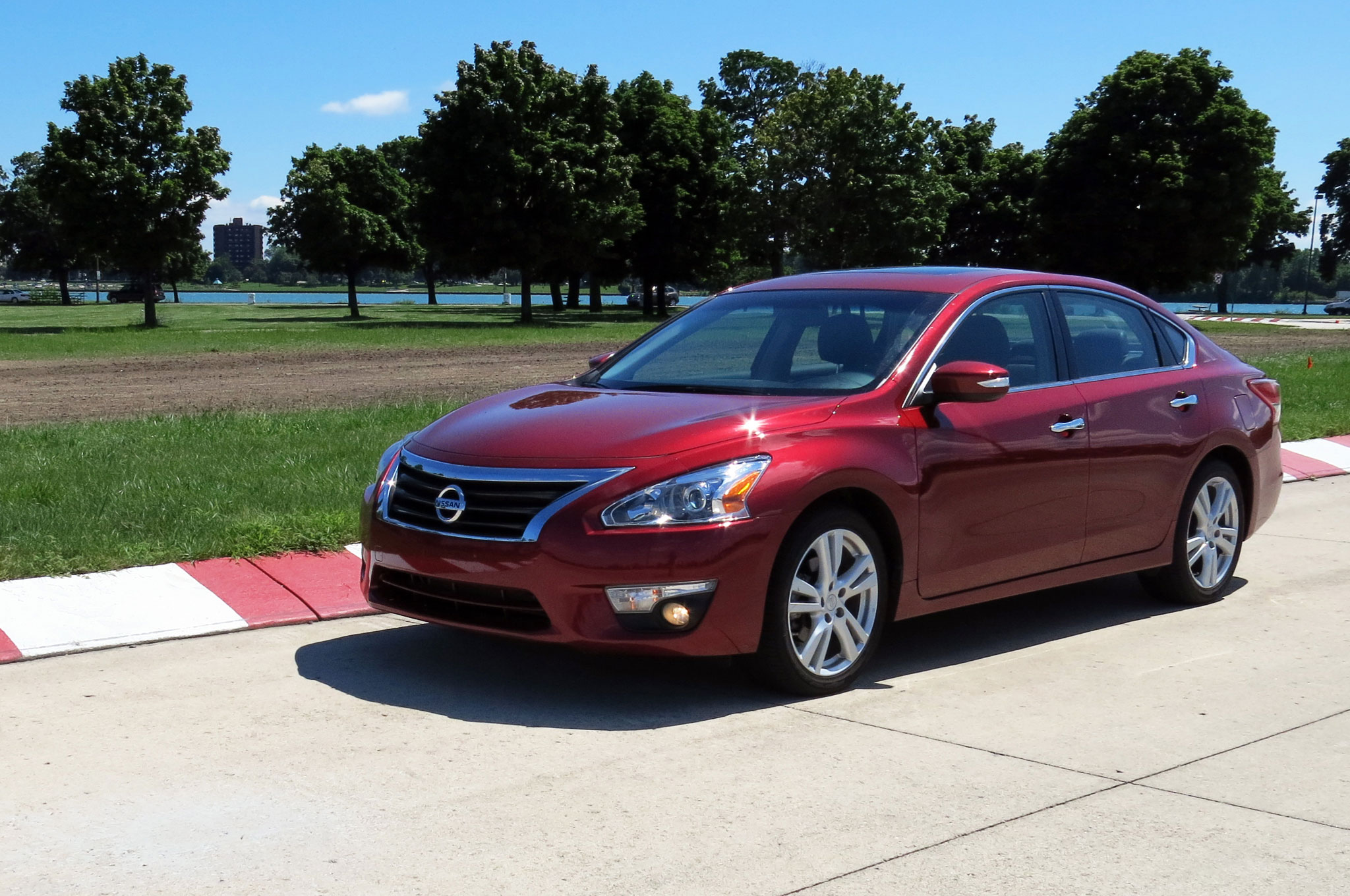 2013 Nissan Altima 3 5 SL Front Left Side View 21