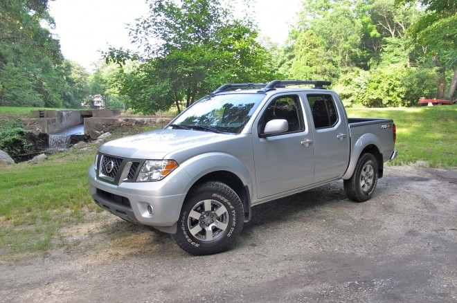 2013 Nissan Frontier PRO 4x Crew Cab Front Left Side View1 660x438