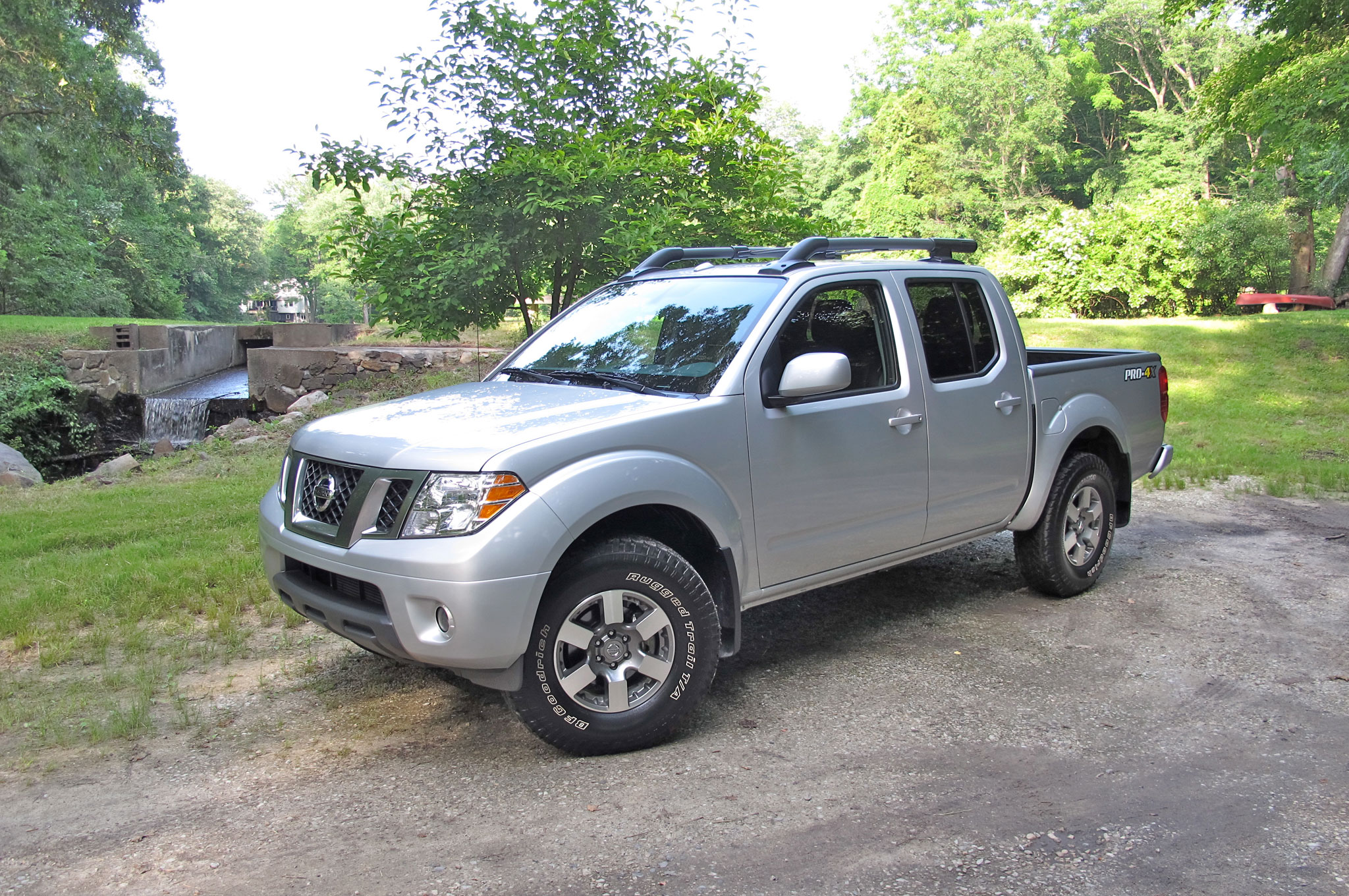 2013 Nissan Frontier PRO 4x Crew Cab Front Left Side View1