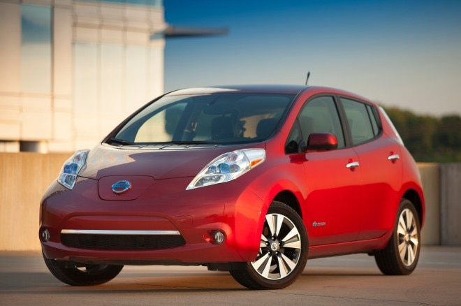 2013 Nissan Leaf Red Front Angle1 660x438