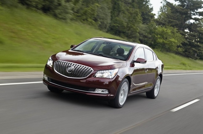 2014 Buick LaCrosse Exterior Front Three Quarters Driving 011 660x438