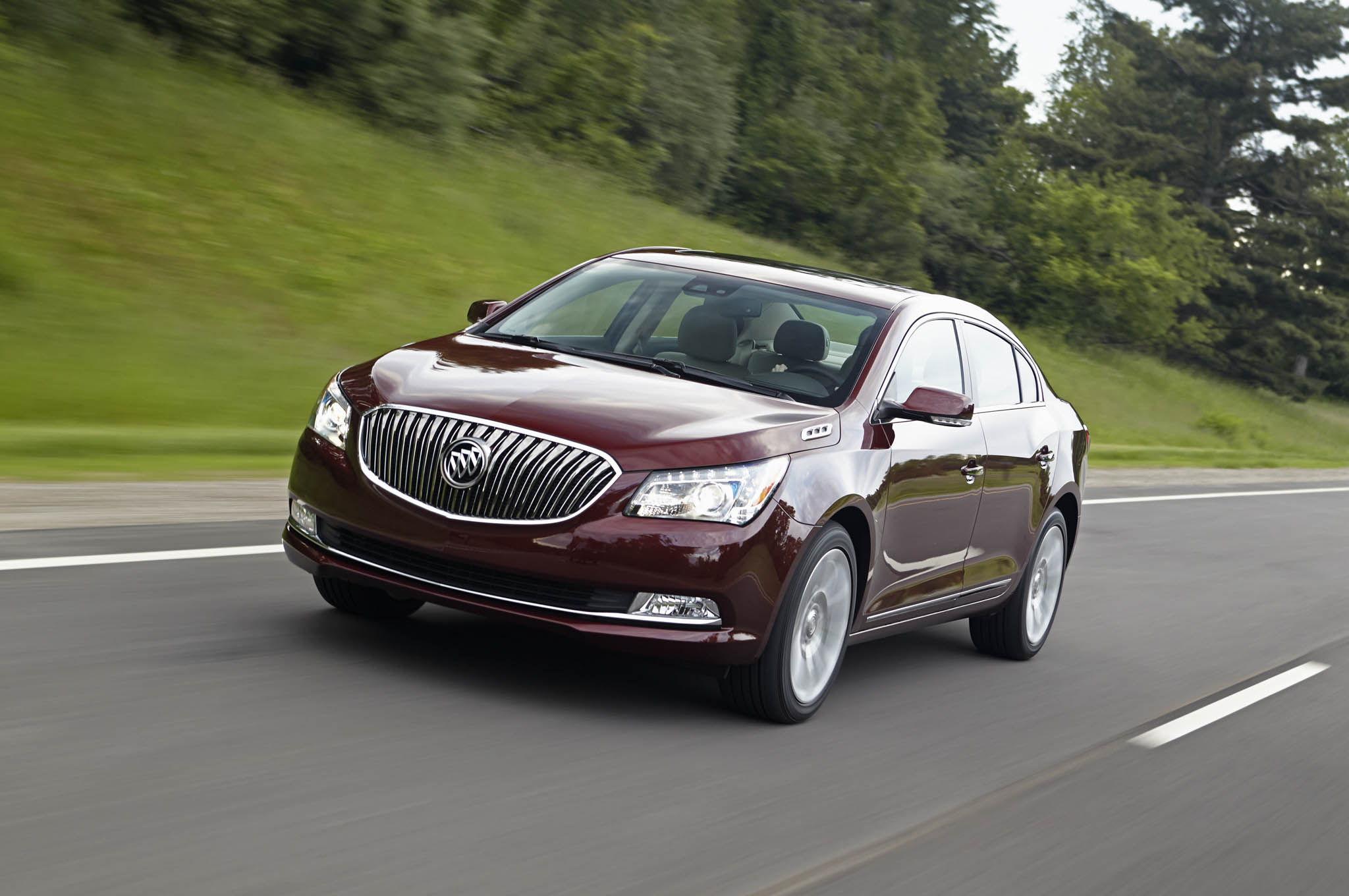 2014 Buick LaCrosse Exterior Front Three Quarters Driving 011