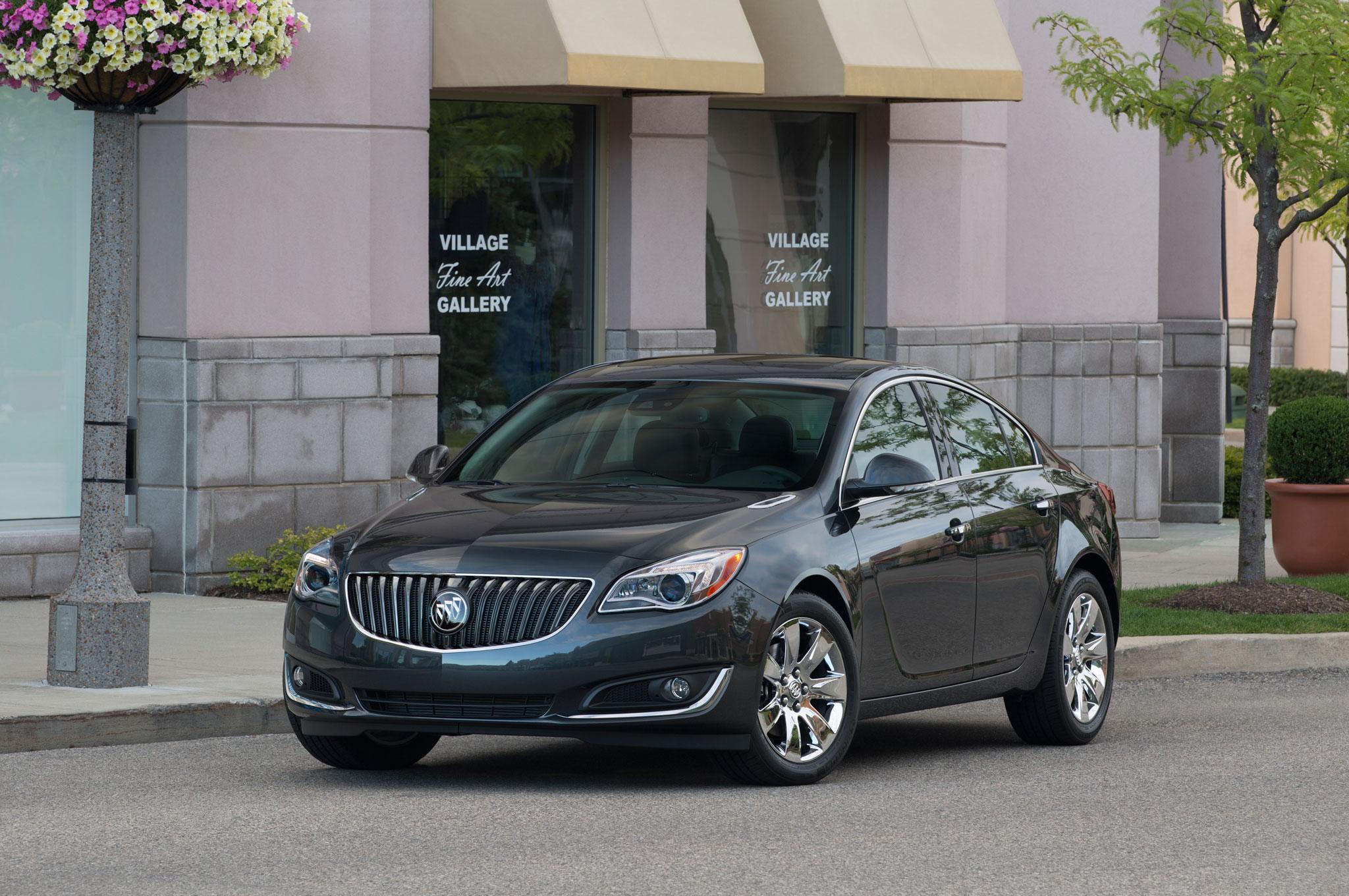 2014 Buick Regal Front Left View1