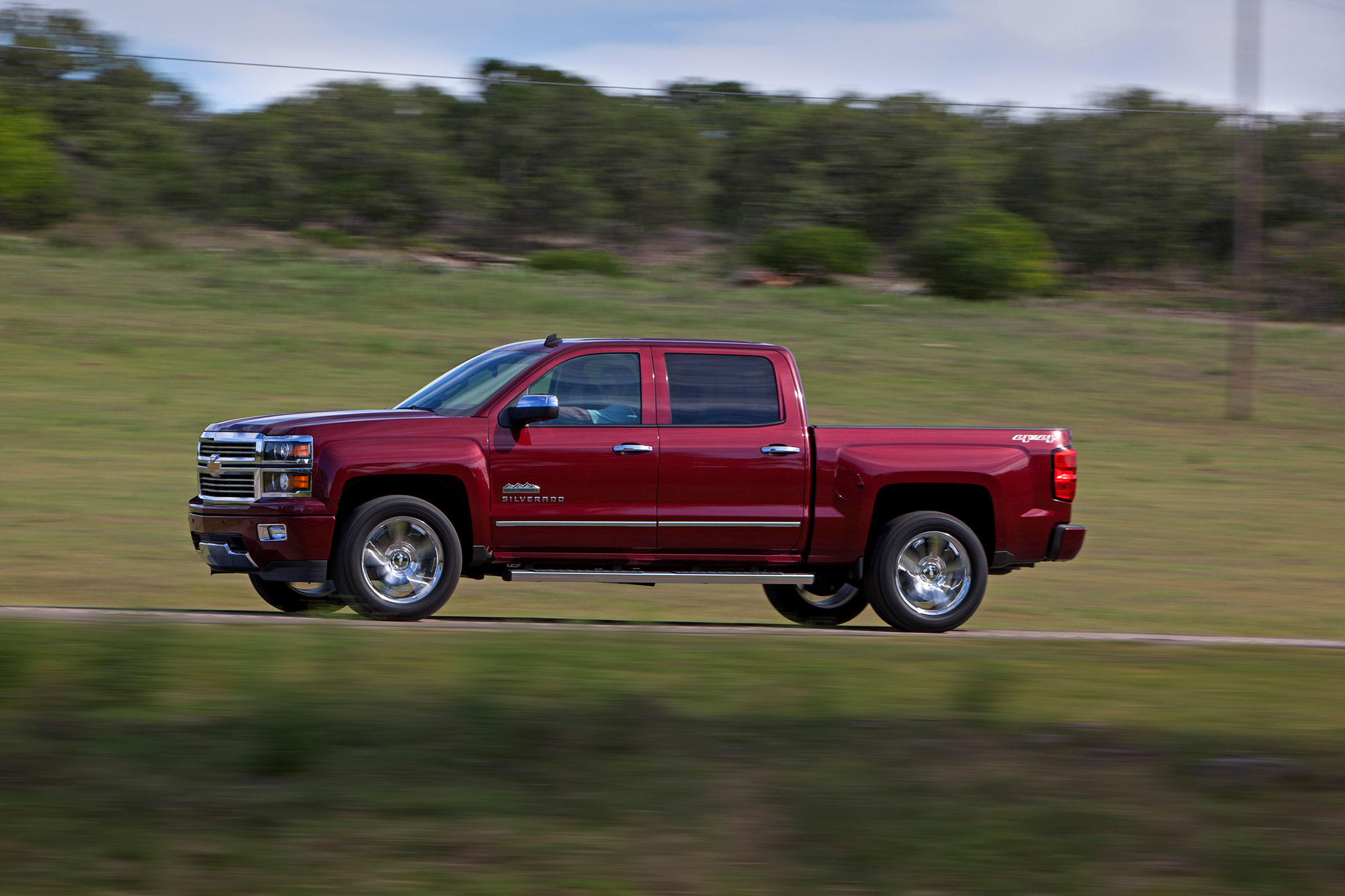 2014 chevrolet silverado high country first drive automobile magazine. Black Bedroom Furniture Sets. Home Design Ideas