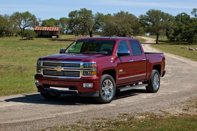 2014 Chevrolet Silverado High Country Front Drivers Side1 660x440