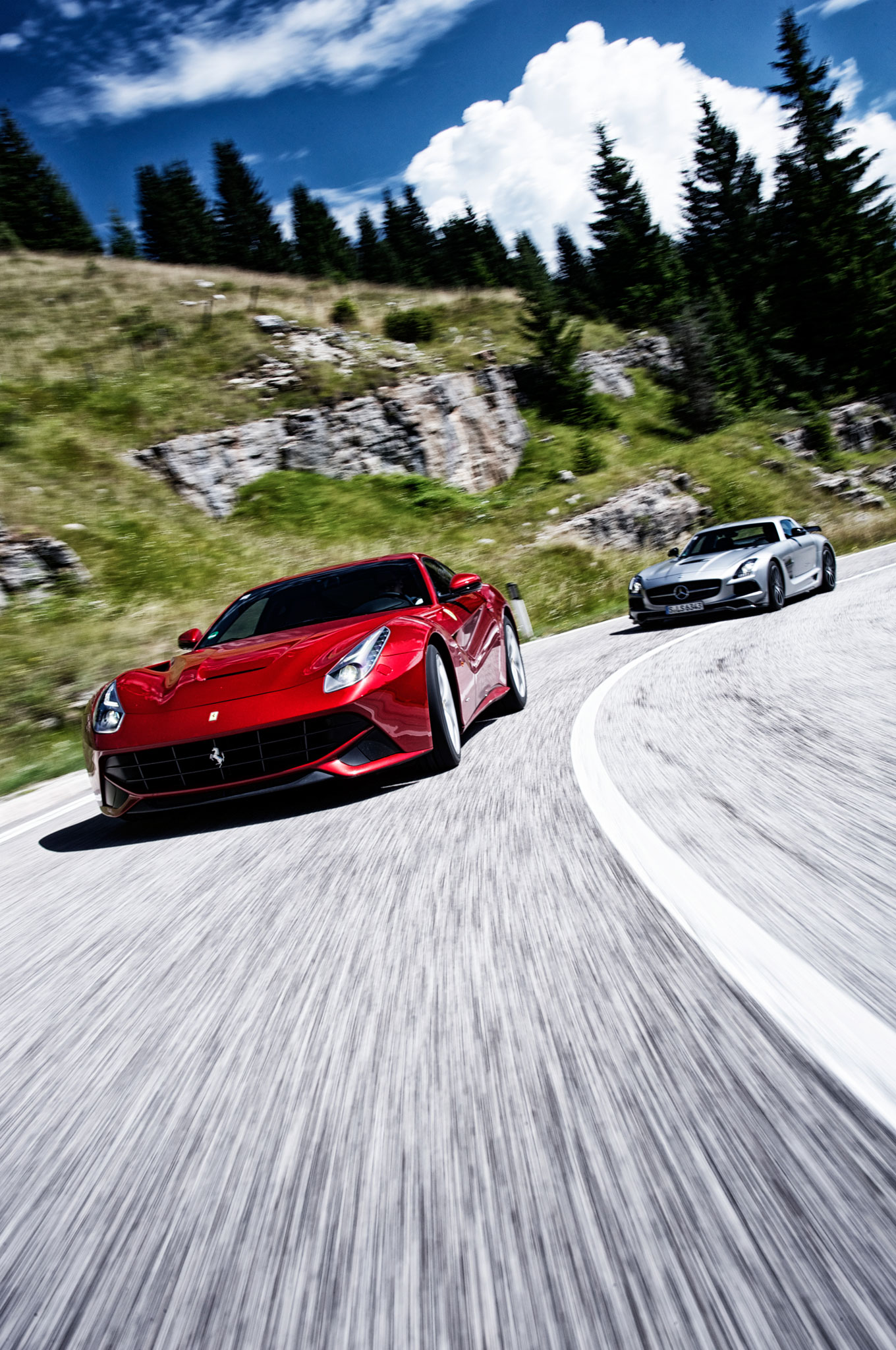 200 Kph To Mph >> Ferrari F12 Berlinetta vs Mercedes-Benz SLS AMG Black ...