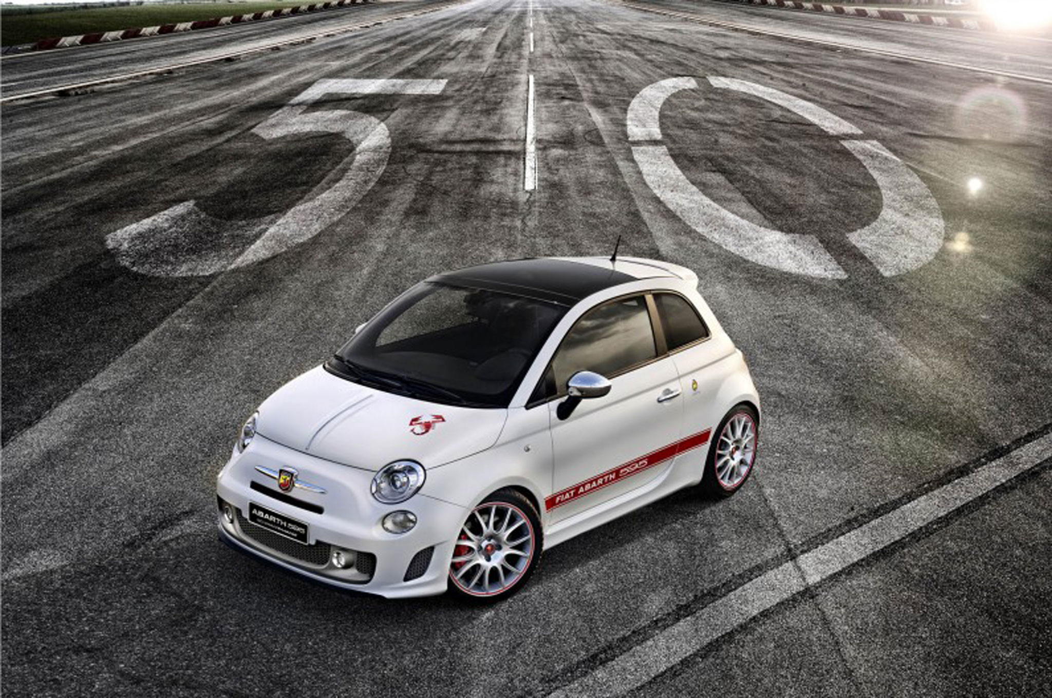 2014 Fiat 500 Abarth 595 50th Anniversary Limited Series Front Left View