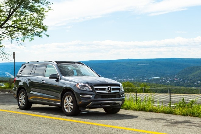 2014 Mercedes Benz GL450 Front Right Side View 31 660x440