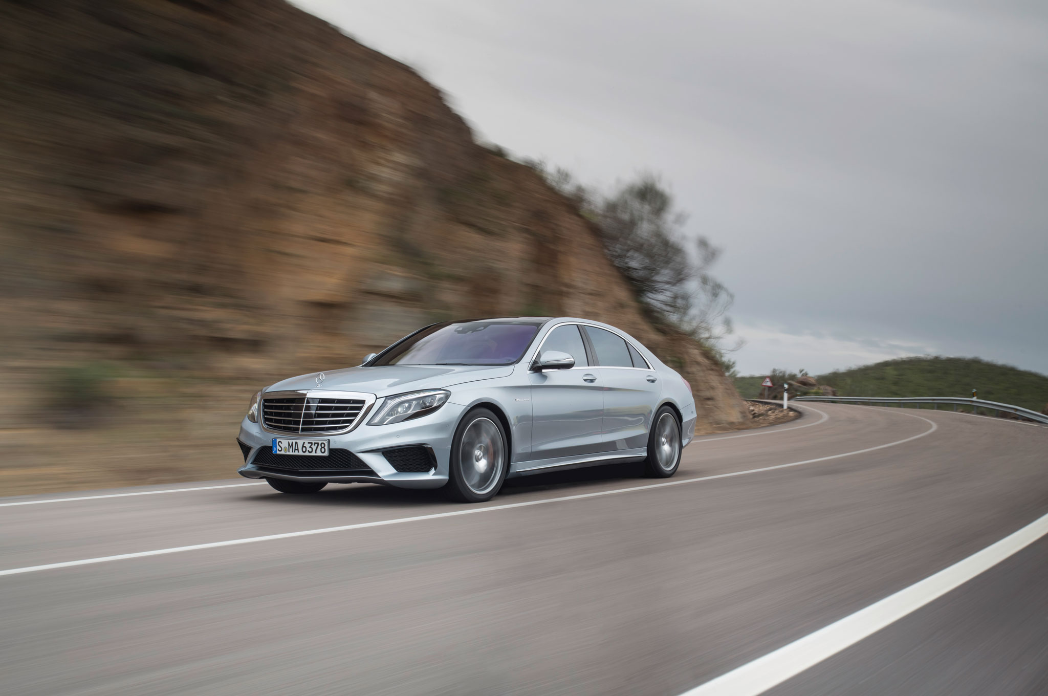 2014 mercedes benz s63 amg front left view 2 - Mercedes Benz S63 Amg 2014