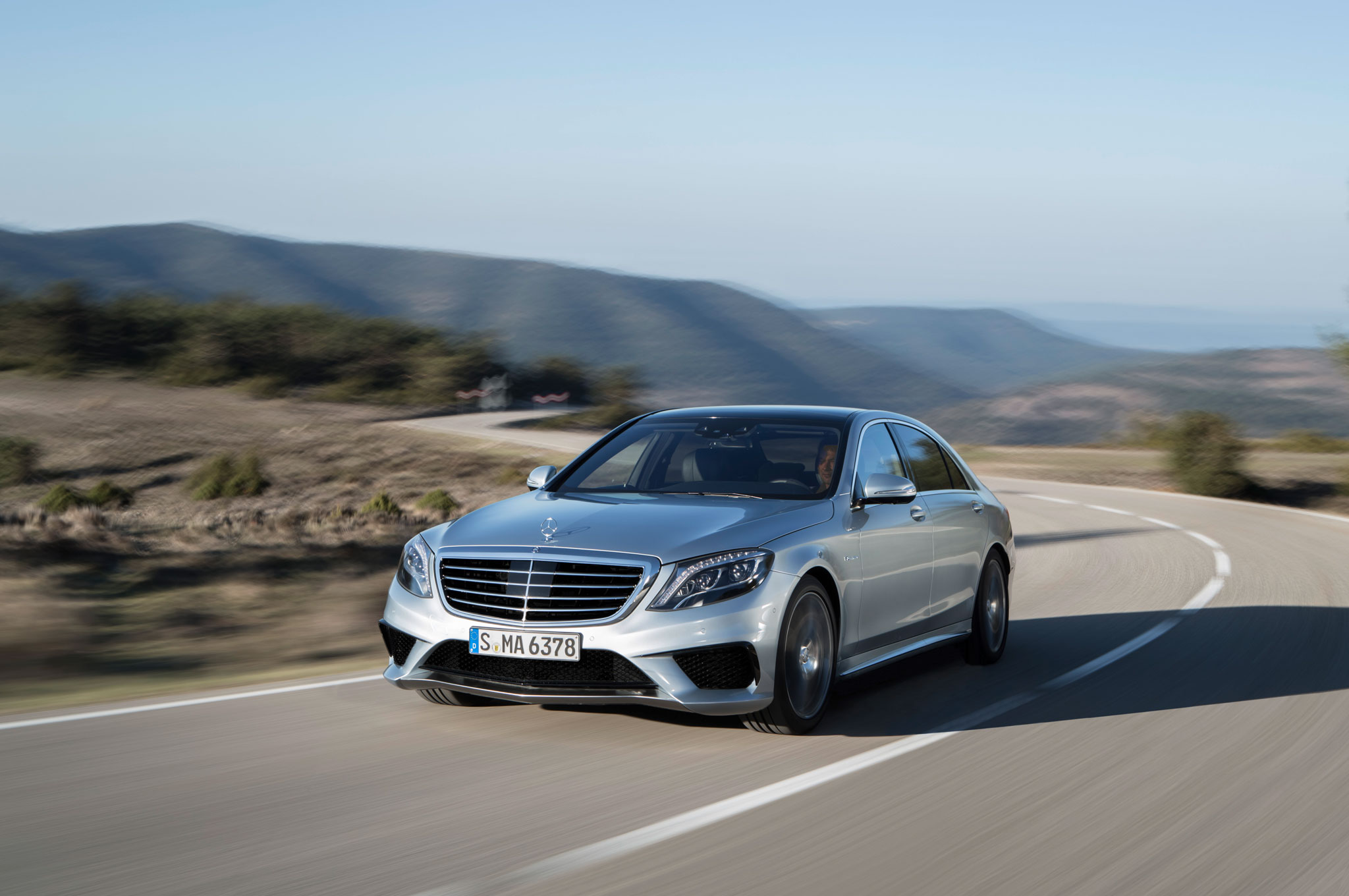 2014 Mercedes Benz S63 AMG Front Left View1