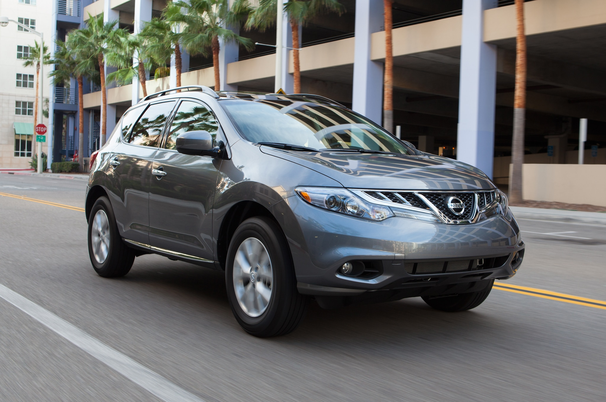 2014 Nissan Murano Front Three Quarter1